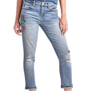 GAP 1969 embroidered best girlfriend jean